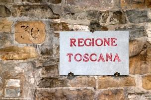 Tuscan Street Sign